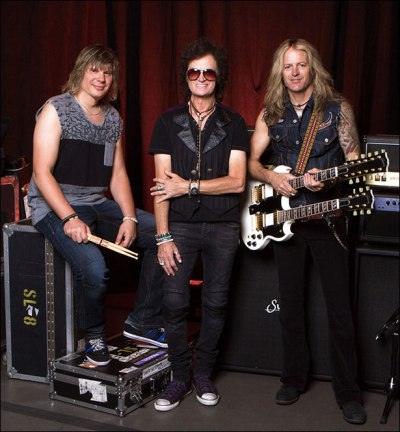 L-R: Pontus Engborg (drums), Glenn Hughes (vocals, bass) and Doug Aldrich (guitar) Photo Credit: © Gene Kirkland